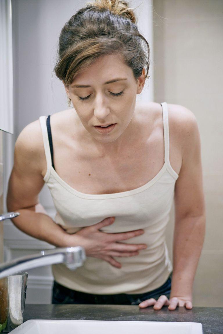 Отечный панкреатит сопровождается постоянной рвотой