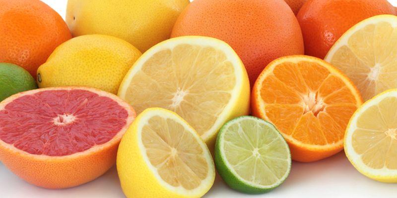 Учтите, что при обострении панкреатита из рациона требуется полностью исключить цитрусовые и фрукты, обладающие кислым и горьковатым вкусом