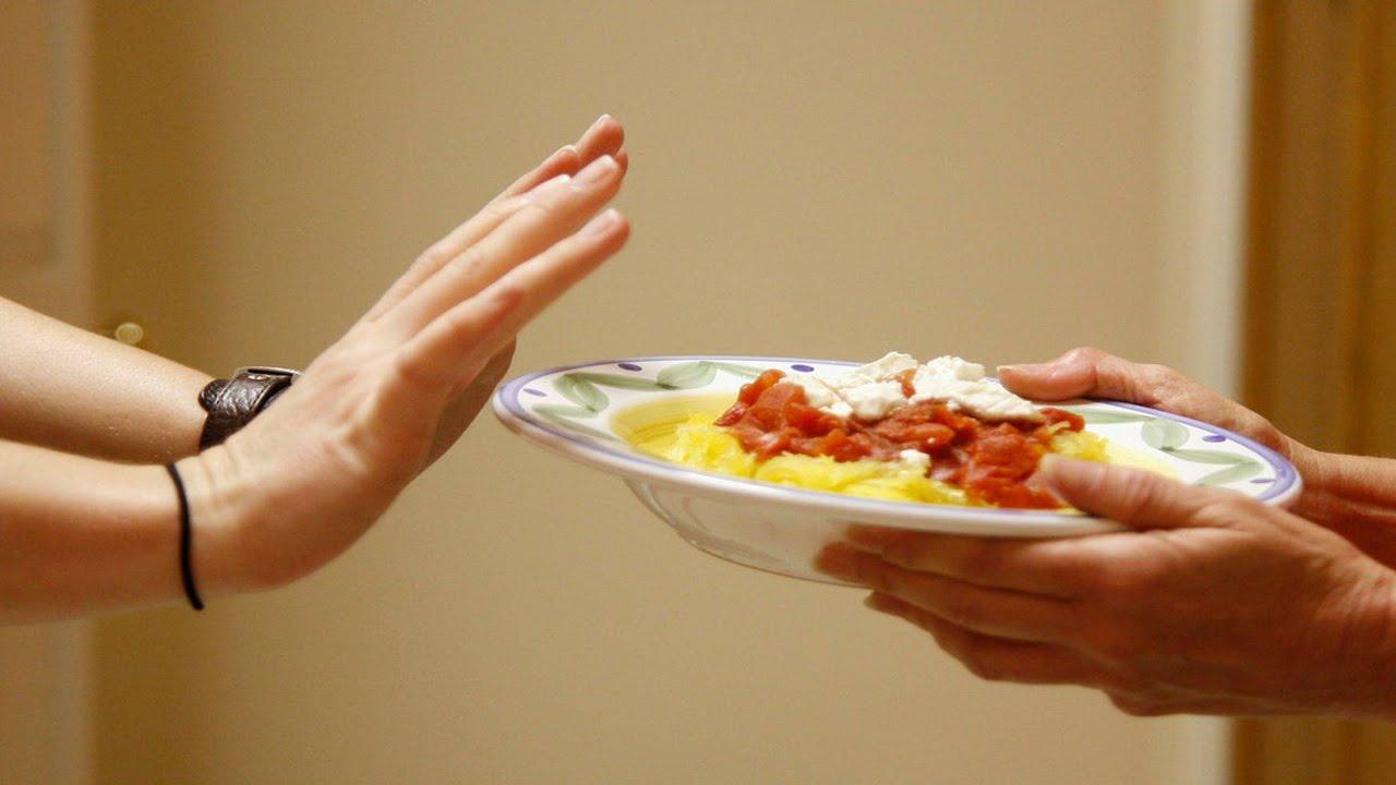 Во время приступа острого панкреатита откажитесь от еды
