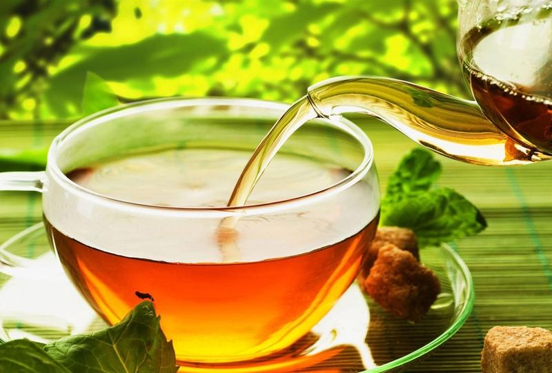 Травяной или фруктовый чай и сухарики