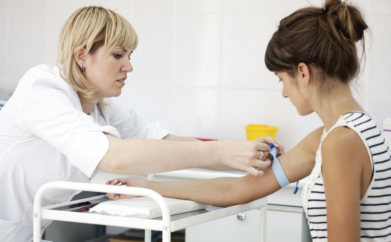 Даже после лечения панкреатита пациенту необходимо продолжать наблюдаться у врача и сдавать анализы