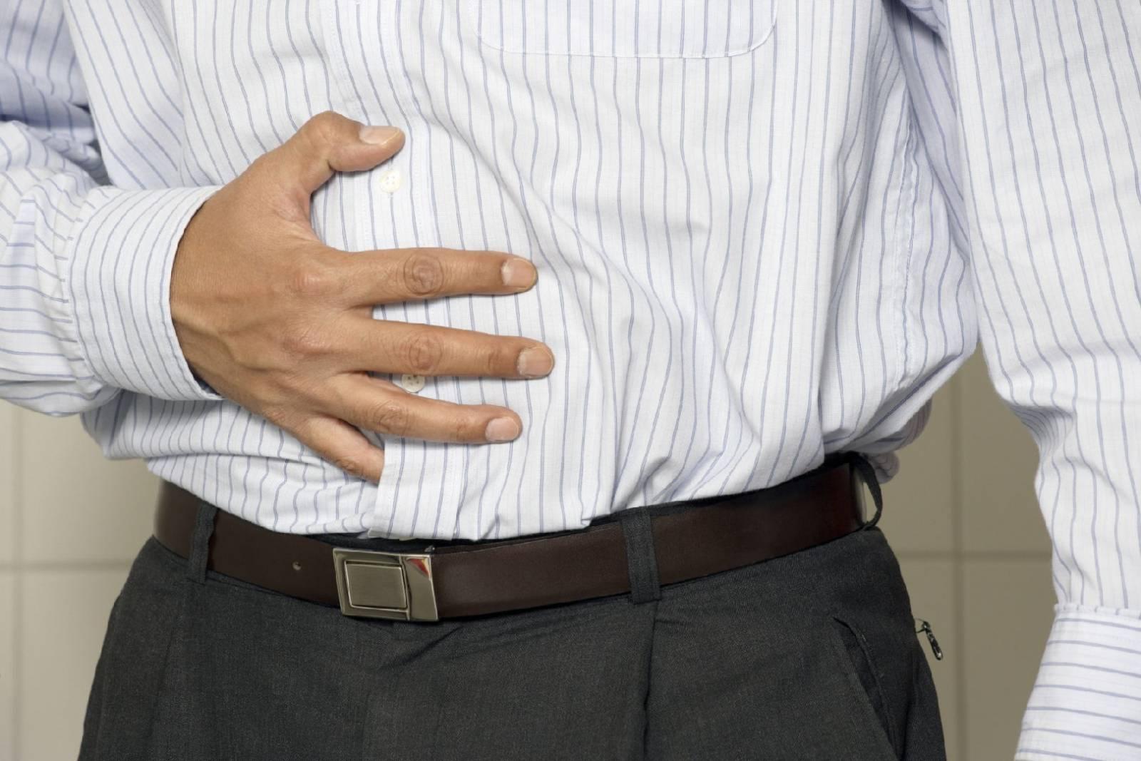 Первый признак панкреатита - боль в животе