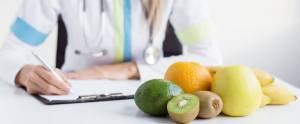 Чтобы вкусно питаться, обратитесь к диетологу. Он поможет составить правильное меню