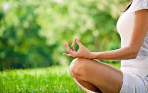 Расслабляющие занятия йогой совместно с дыхательной гимнастикой пойдут на пользу