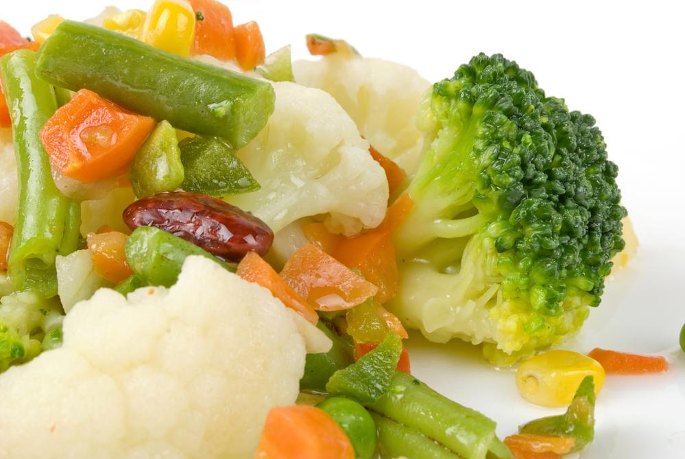 Овощи желательно употреблять в отварном и мелко измельченном виде