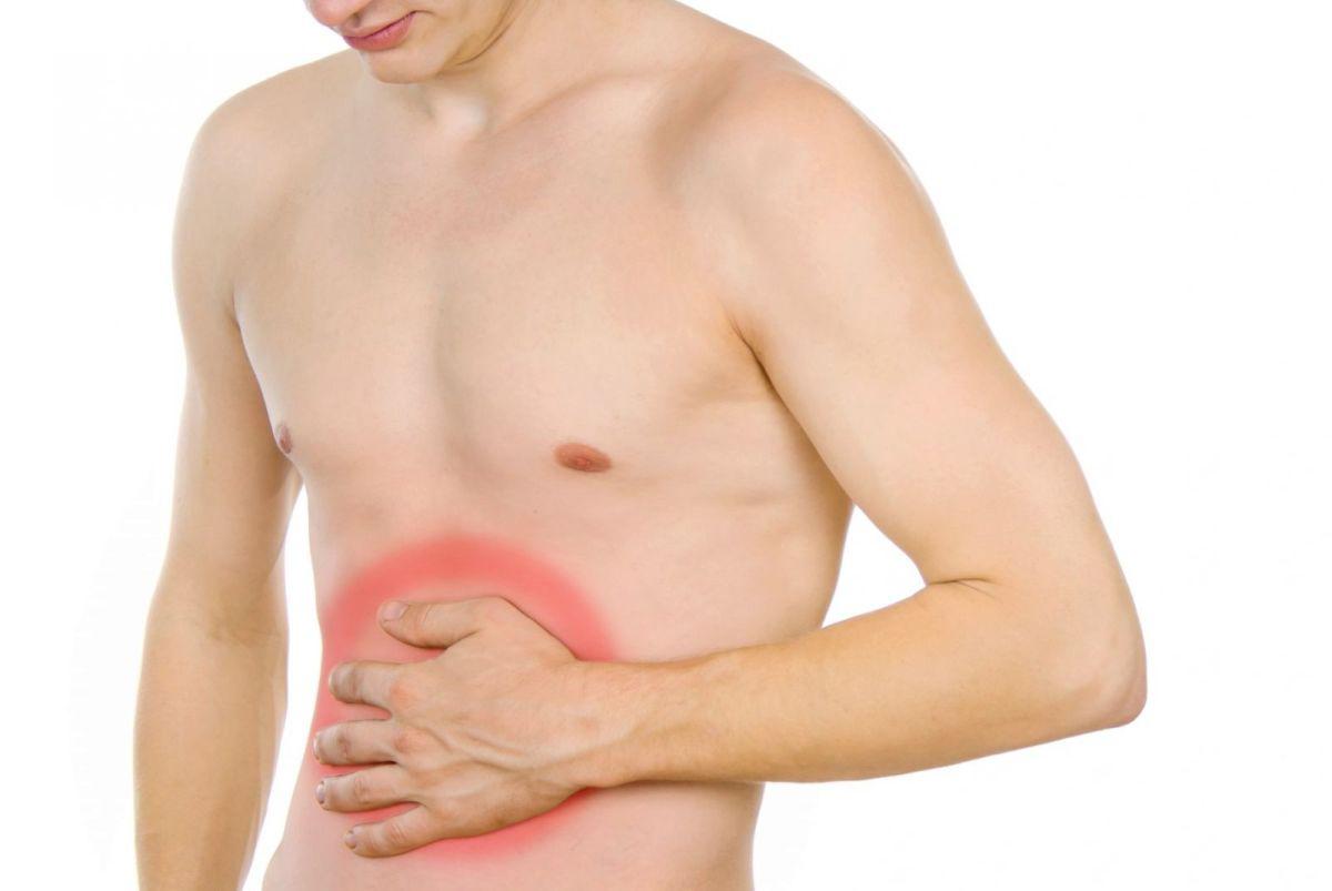 Расположение болей при панкреатите находится в центре живота ближе к правому подреберью