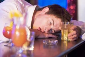 Злоупотребление алкоголем является стимулятором к возникновению панкреатита